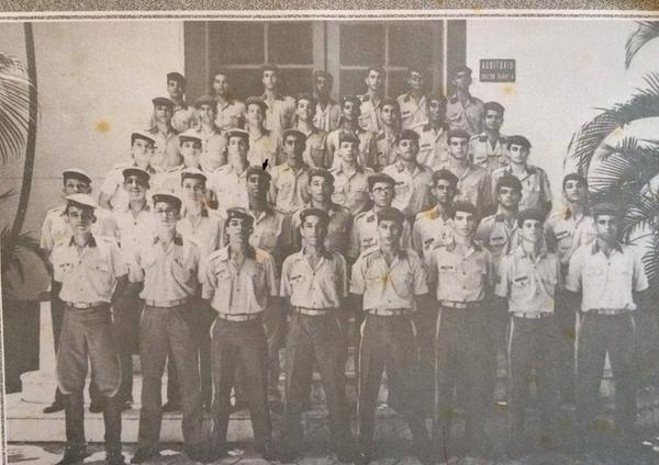 Grandes amigos e companheiros da turma G-1 do Colégio Militar de Fortaleza 1993.