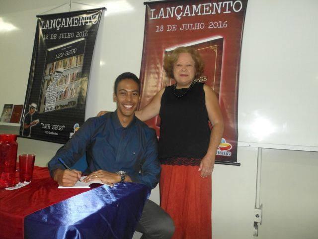 Com os escritores Olden Hugo e Maria do Carmo