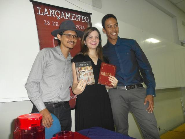 Com os escritores Olden Hugo, Giowanna Veloso e Márcio Moraes