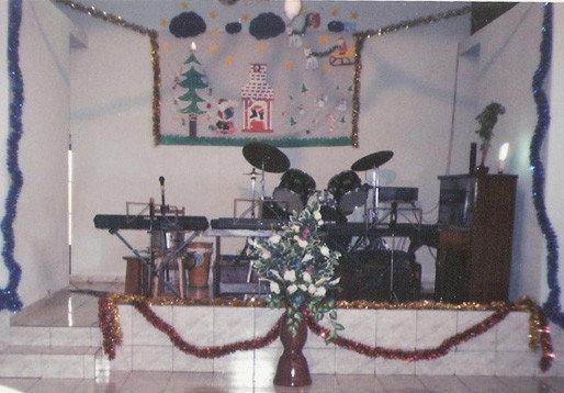 Um Natal, o palco estava preparado para mais uma apresentação.
