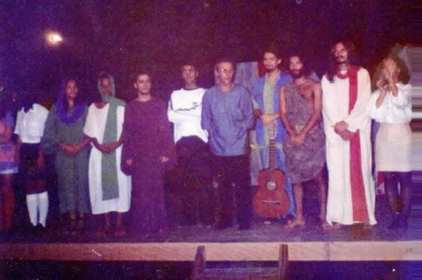 """Final da peça """"A Voz que Clama no Deserto"""", em sua primeira montagem, no Teatro Municipal de Itaboraí."""