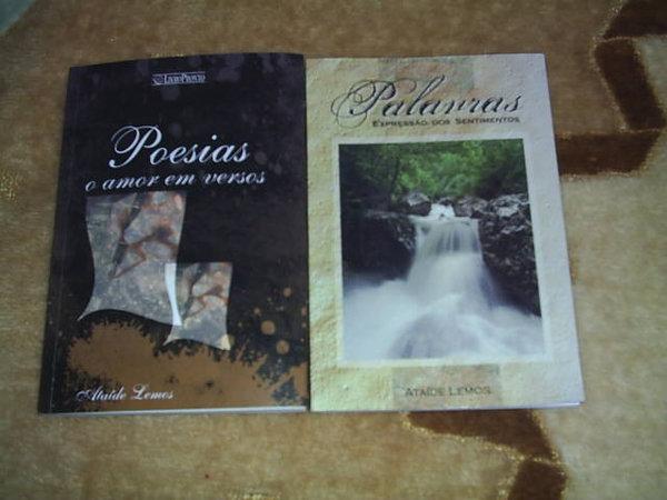 """Estes são os dois livros de poesias  Poesias """" O amor em Versos"""" Palavras Expressão dos Sentimentos"""