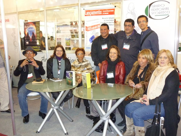 Antonio Carlos Menezes, Marília Baêtas, Carmelita Makoto, José Walber, Vicente Cariri, Goulart Gomes, Regina Lyra, Rosa Pena e Marilda Confortin