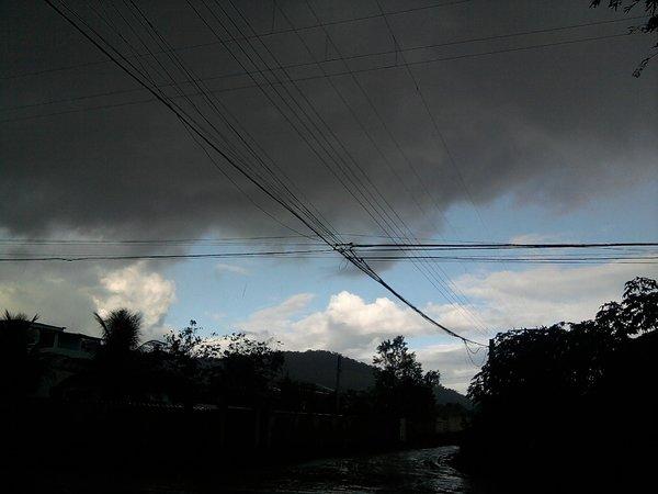 Formação de chuva no bairro de Duques.