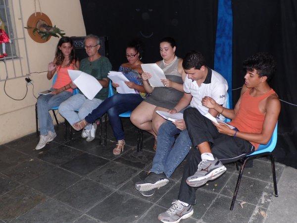 O elenco em ação: Zeca Palácio, Patrícia Miranda, Larissa Pantoja, Lucas Rocha e Octavio Ischiwatari.