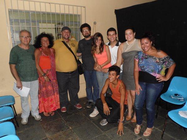 Autor, diretor, elenco, equipe de produção e o presidente da Fundação de Cultura de Itaboraí.